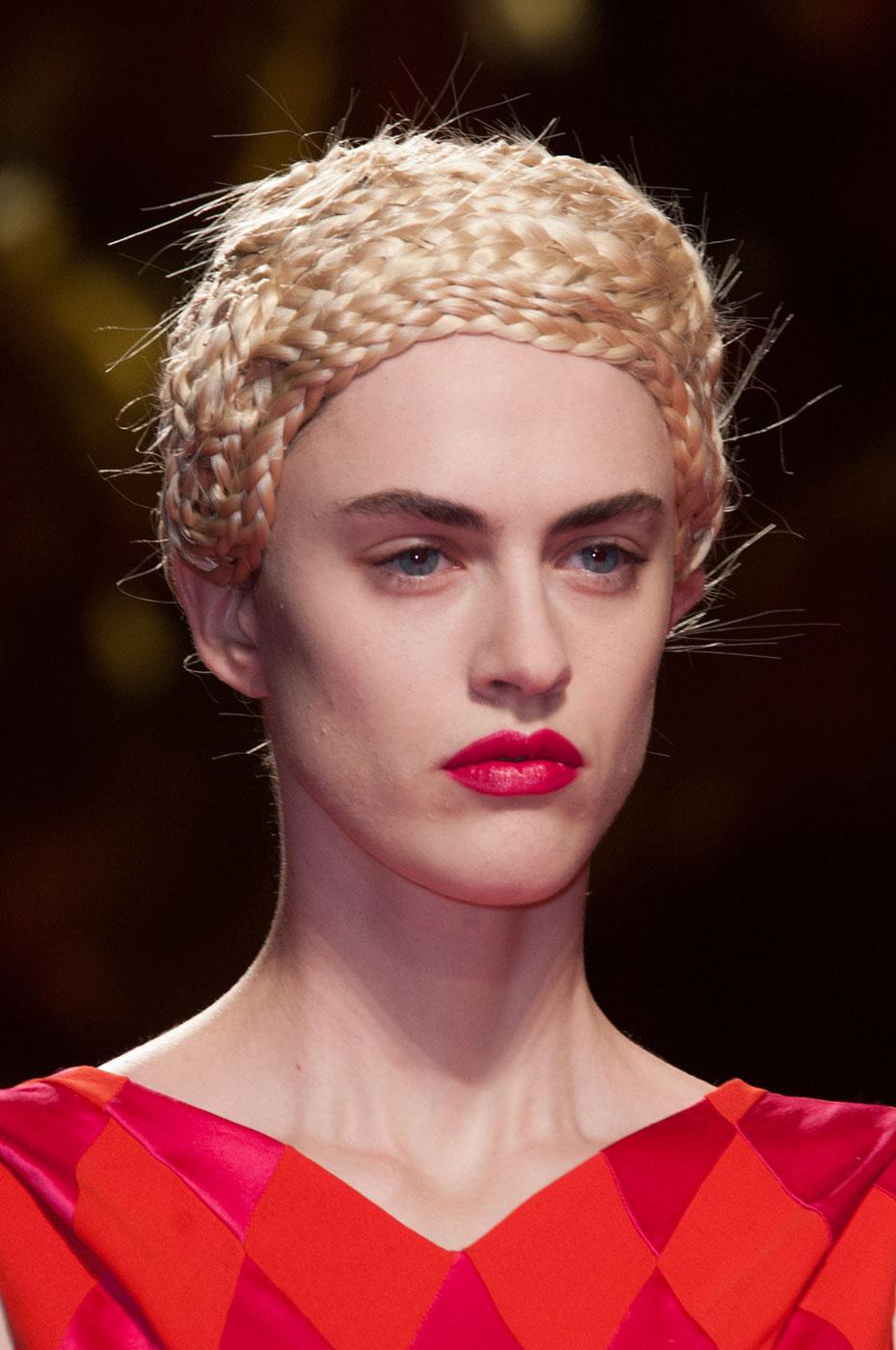 Schiaparelli-fashion-runway-show-close-ups-haute-couture-paris-spring-summer-2015-the-impression-33