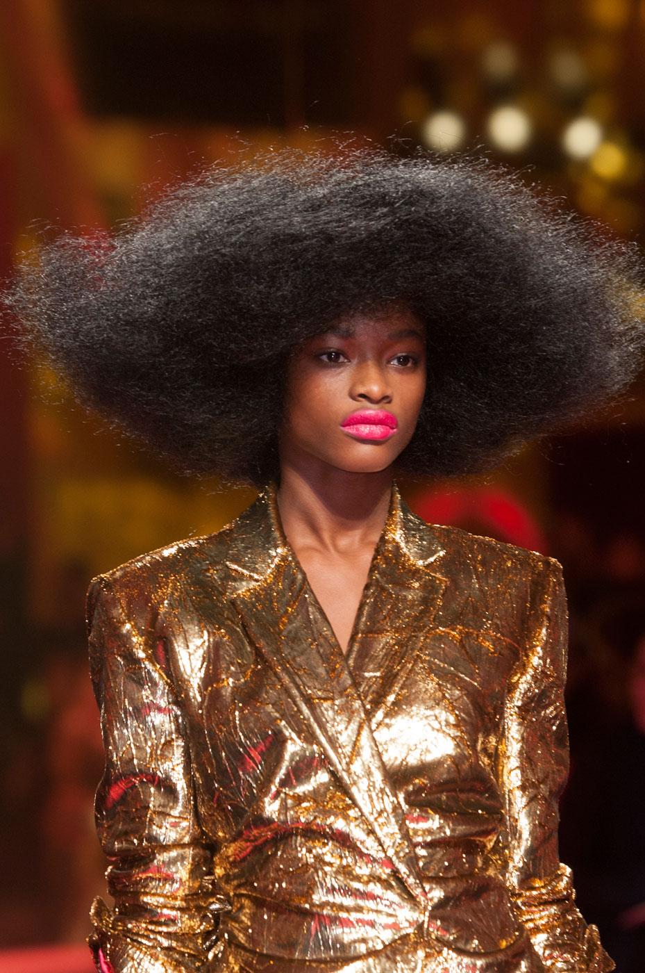 Schiaparelli-fashion-runway-show-close-ups-haute-couture-paris-spring-summer-2015-the-impression-38
