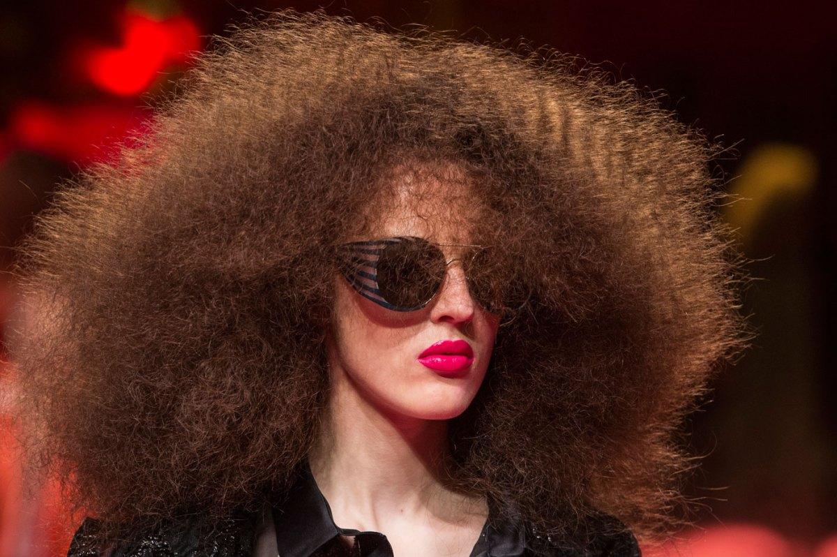 Schiaparelli-fashion-runway-show-close-ups-haute-couture-paris-spring-summer-2015-the-impression-41