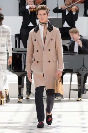 BURBERRY-PRORSUM-spring-2016-mens-show-the-impression-37