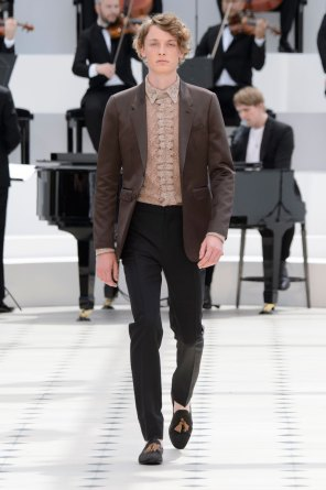 BURBERRY-PRORSUM-spring-2016-mens-show-the-impression-38