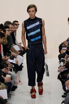 jw-anderson-spring-2016-mens-show-the-impression-17
