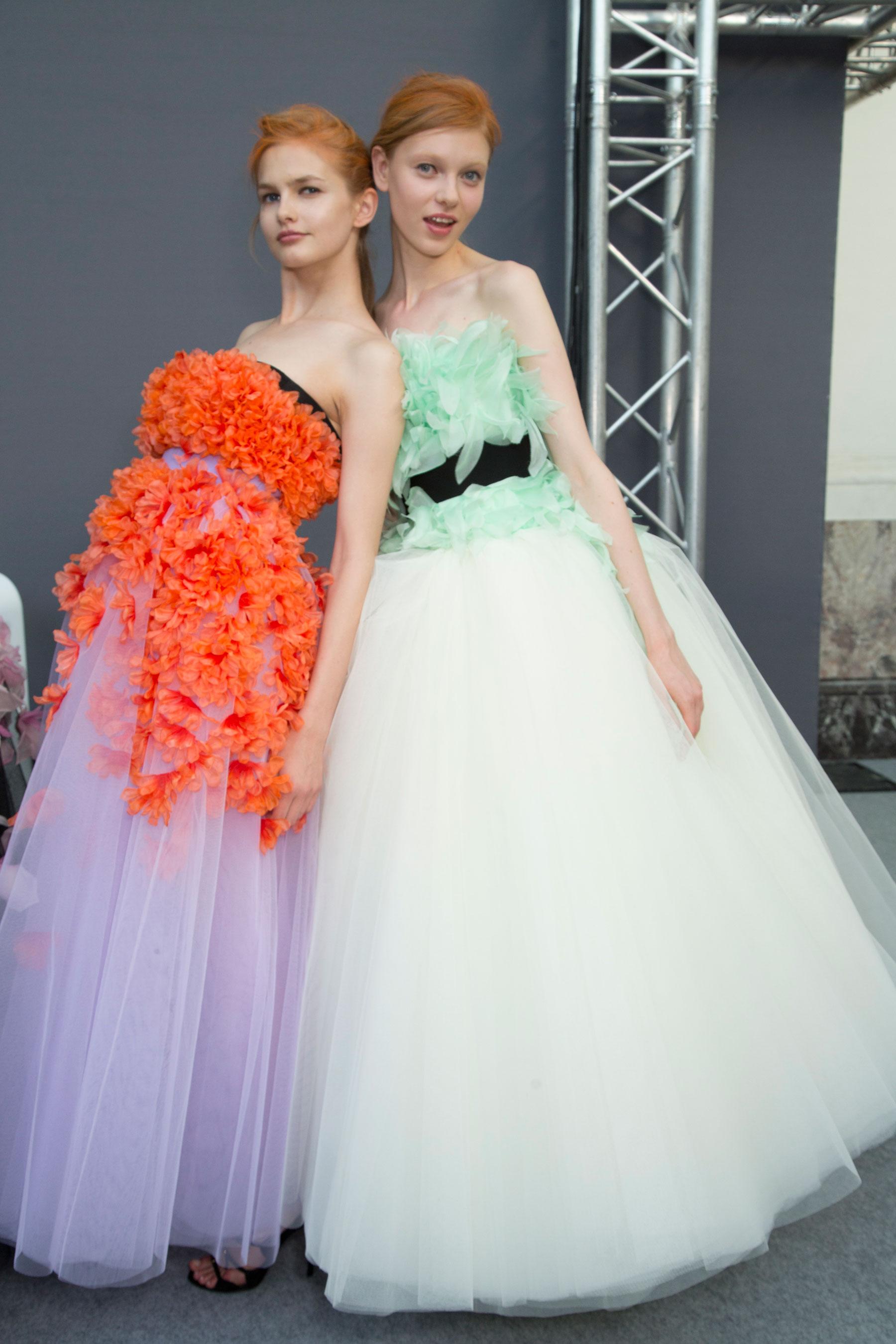 GIAMBATTISTA-VALLI-backstage-fall-2015-couture-the-impression-070