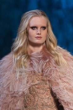 RALPH-and-RUSSO-close-ups-fall-2015-couture-the-impression-027