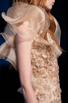 RALPH-and-RUSSO-close-ups-fall-2015-couture-the-impression-036
