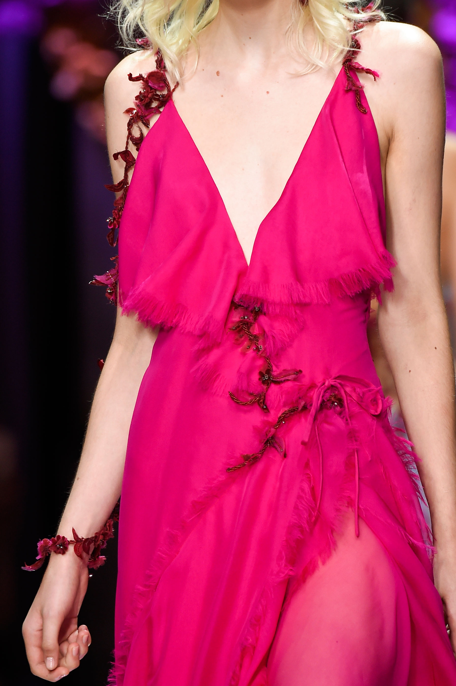 atelier-versace-close-ups-fall-2015-couture-the-impression-067