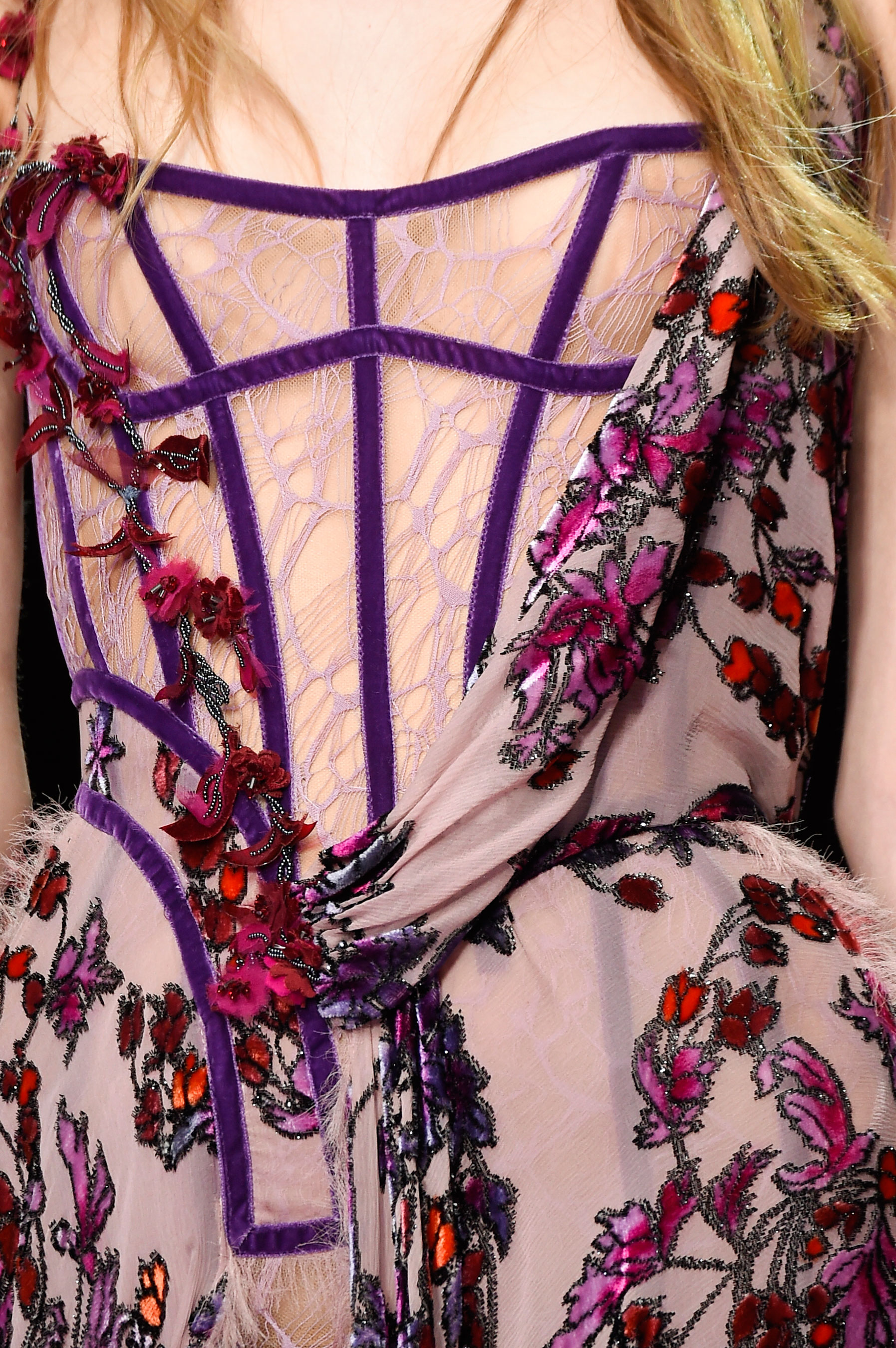 atelier-versace-close-ups-fall-2015-couture-the-impression-101
