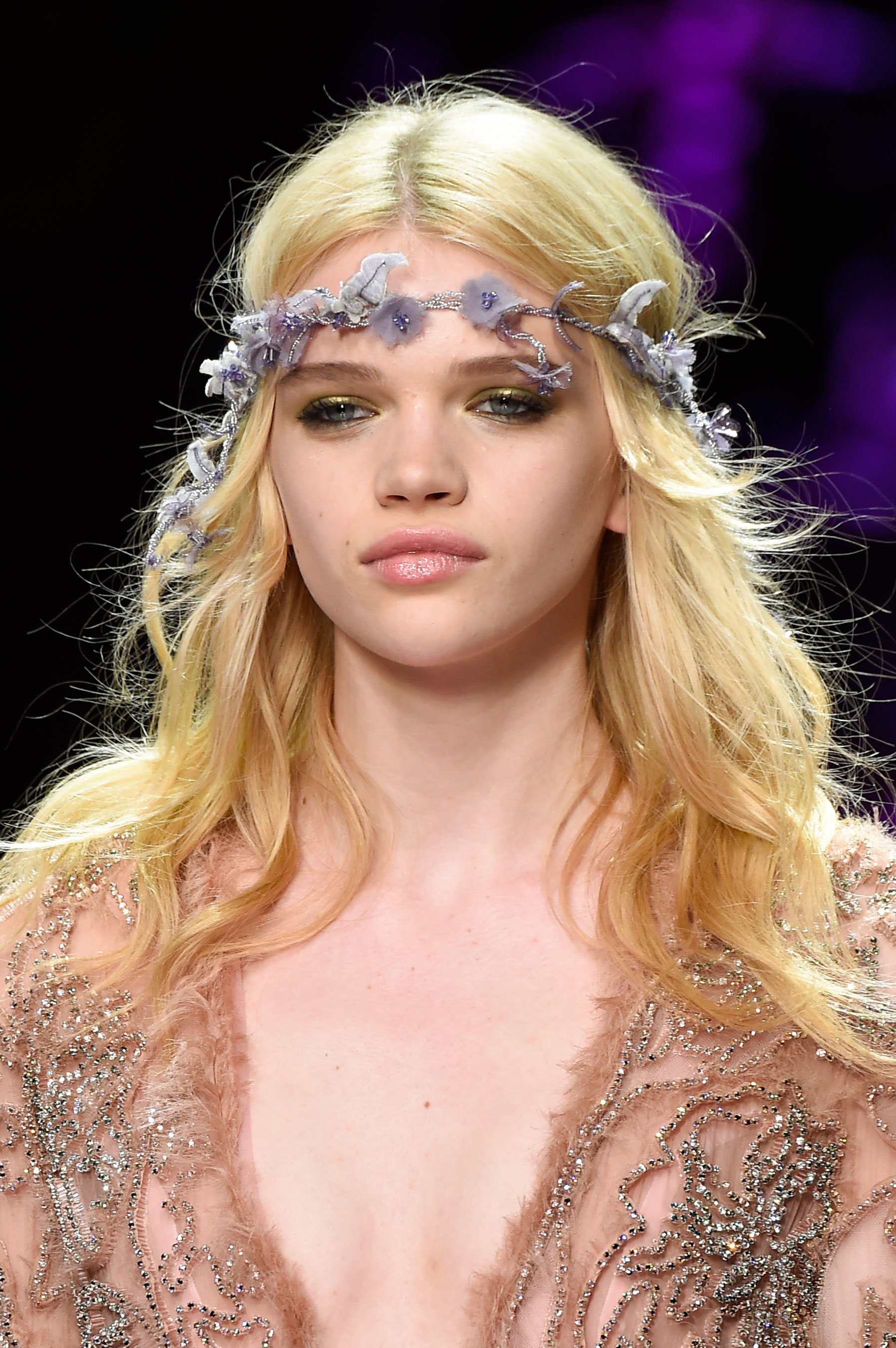 atelier-versace-close-ups-fall-2015-couture-the-impression-111