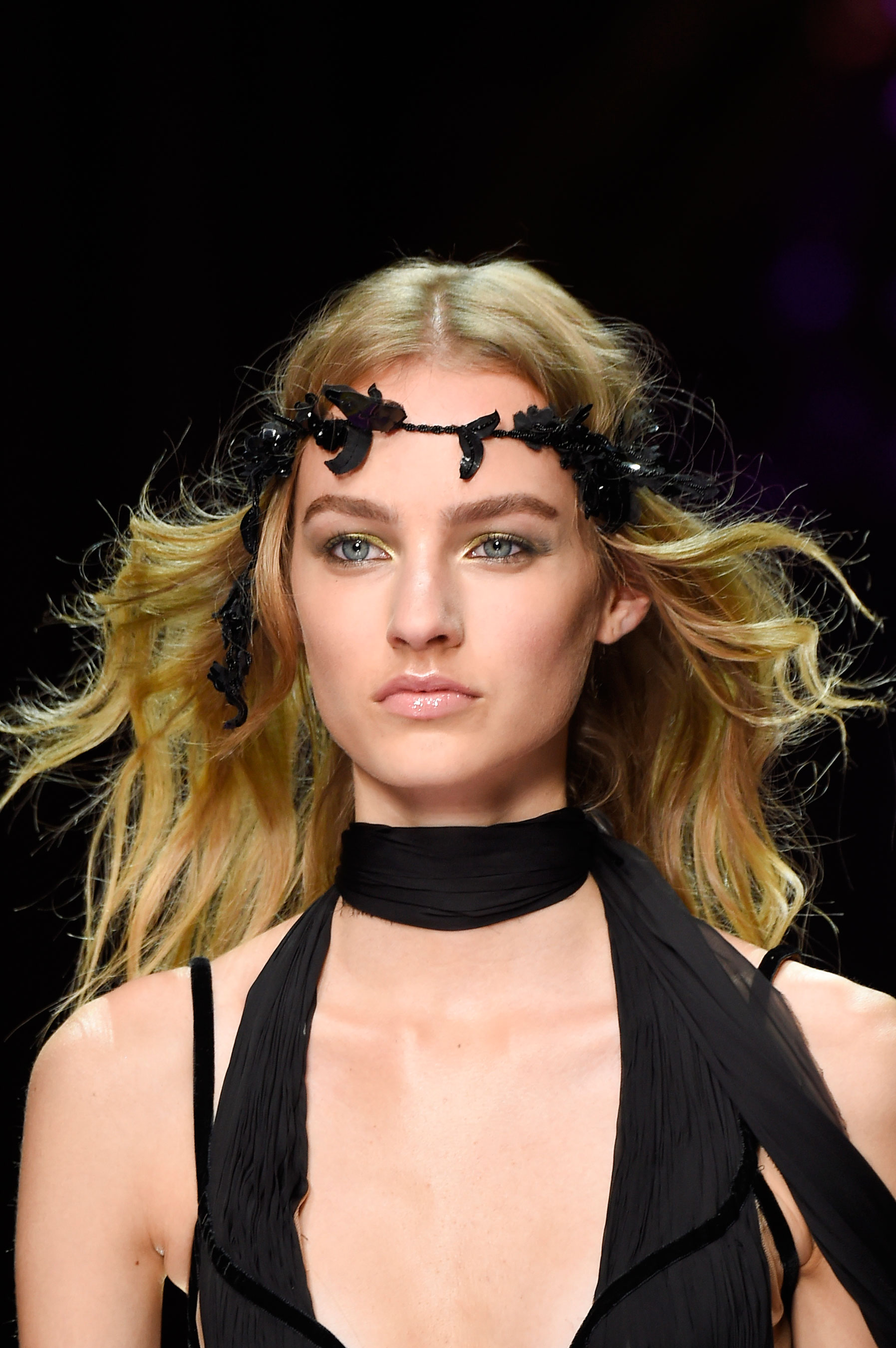 atelier-versace-close-ups-fall-2015-couture-the-impression-136