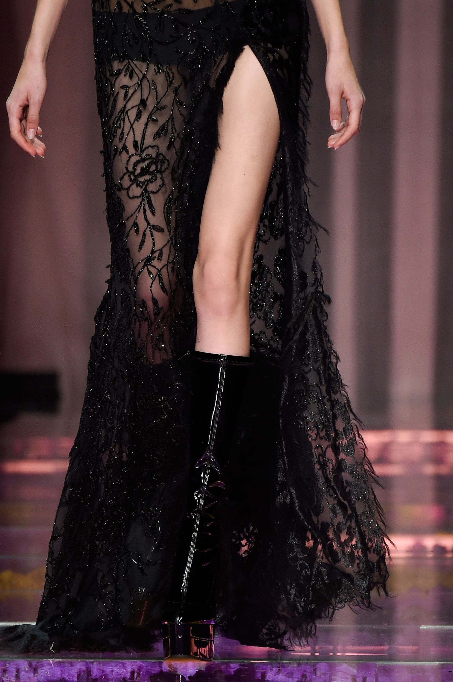 atelier-versace-close-ups-fall-2015-couture-the-impression-146