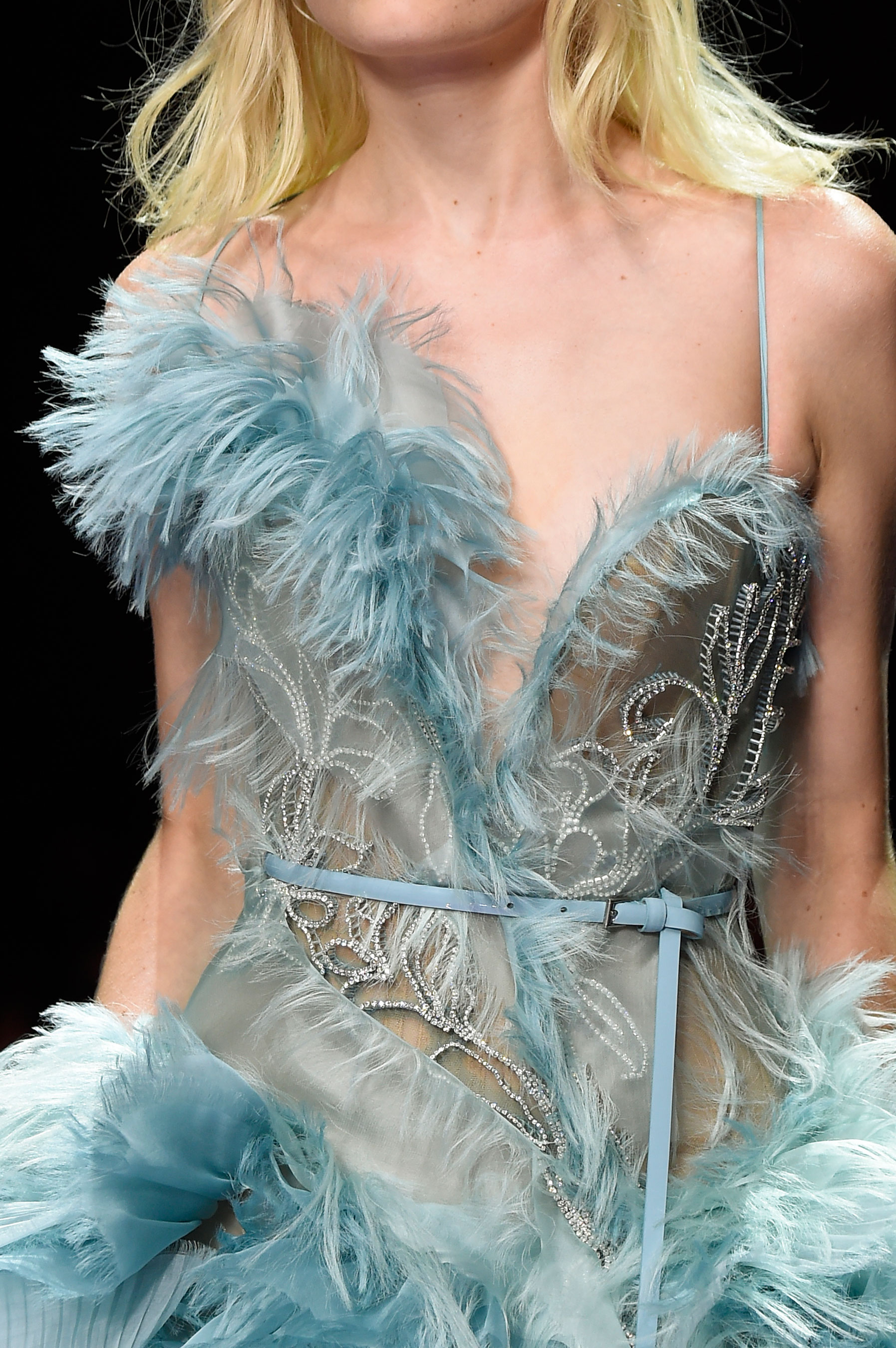 atelier-versace-close-ups-fall-2015-couture-the-impression-154