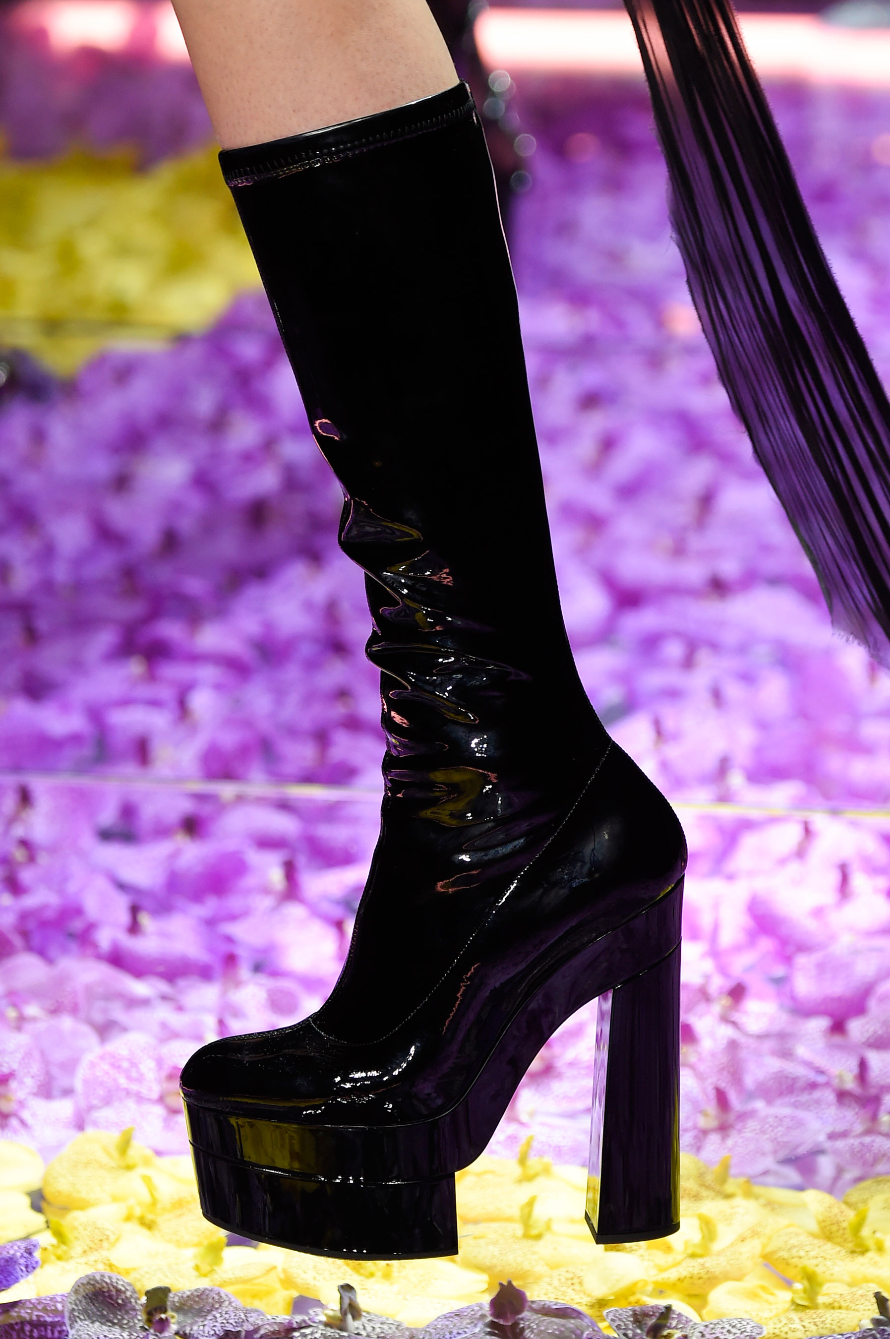 atelier-versace-close-ups-fall-2015-couture-the-impression-226