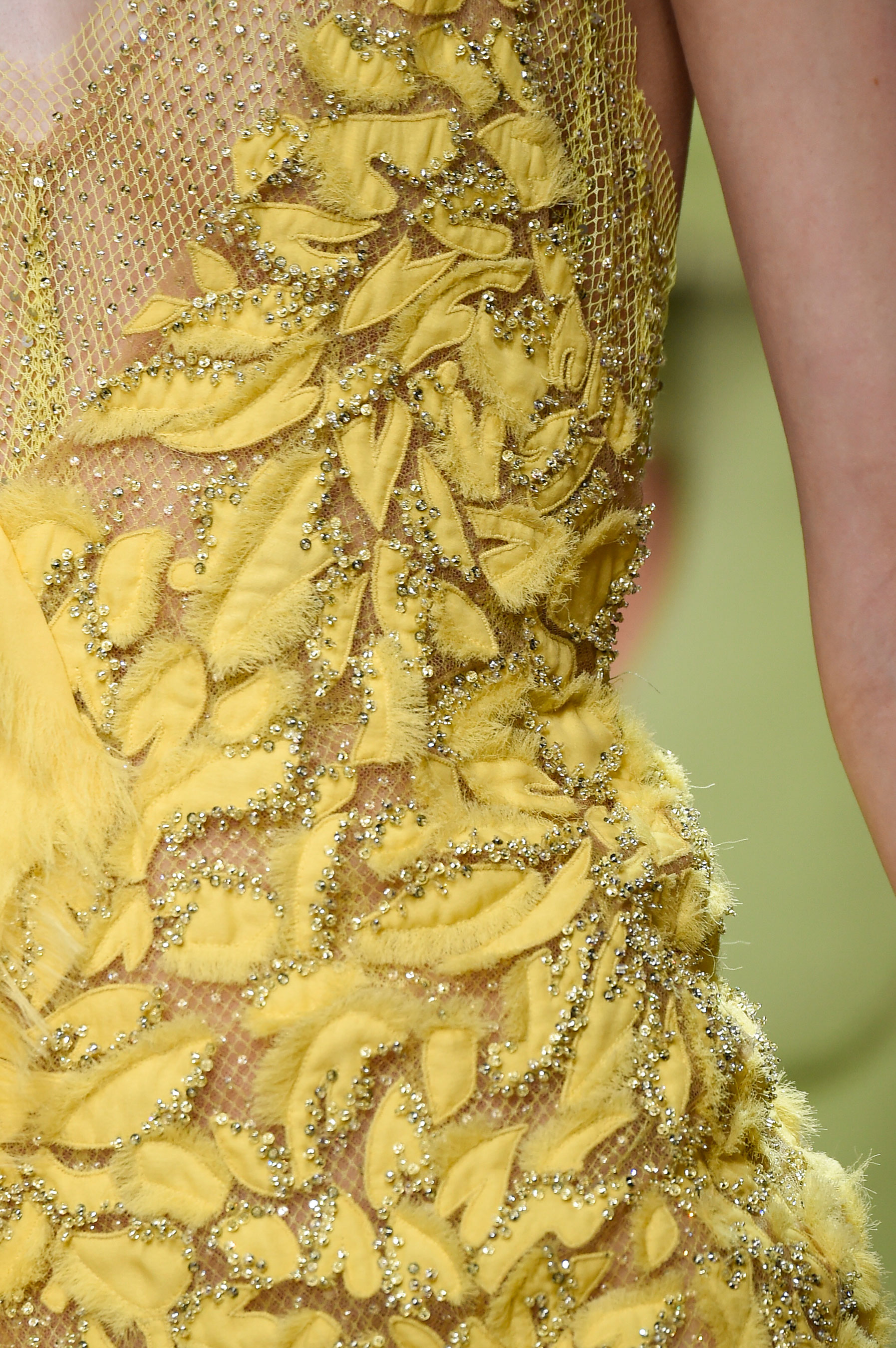 atelier-versace-close-ups-fall-2015-couture-the-impression-236