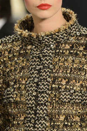 chanel-close-ups-fall-2015-couture-show-the-impression-076