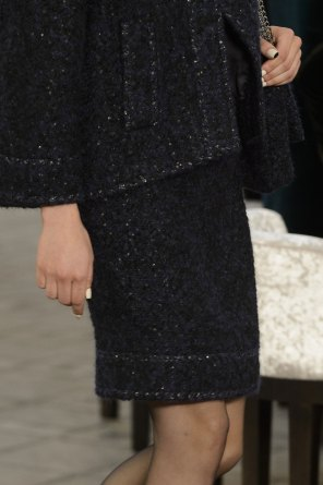 chanel-close-ups-fall-2015-couture-show-the-impression-079