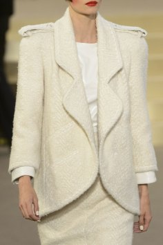 chanel-close-ups-fall-2015-couture-show-the-impression-097