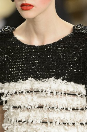 chanel-close-ups-fall-2015-couture-show-the-impression-138