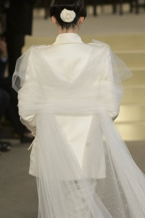 chanel-close-ups-fall-2015-couture-show-the-impression-211
