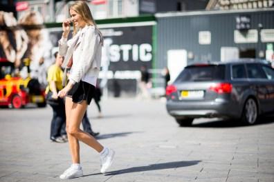 street-style-copenhagen-day-1-the-impression-036