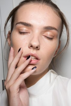 Amanda-wakeley-spring-2016-beauty-fashion-show-the-impression-27