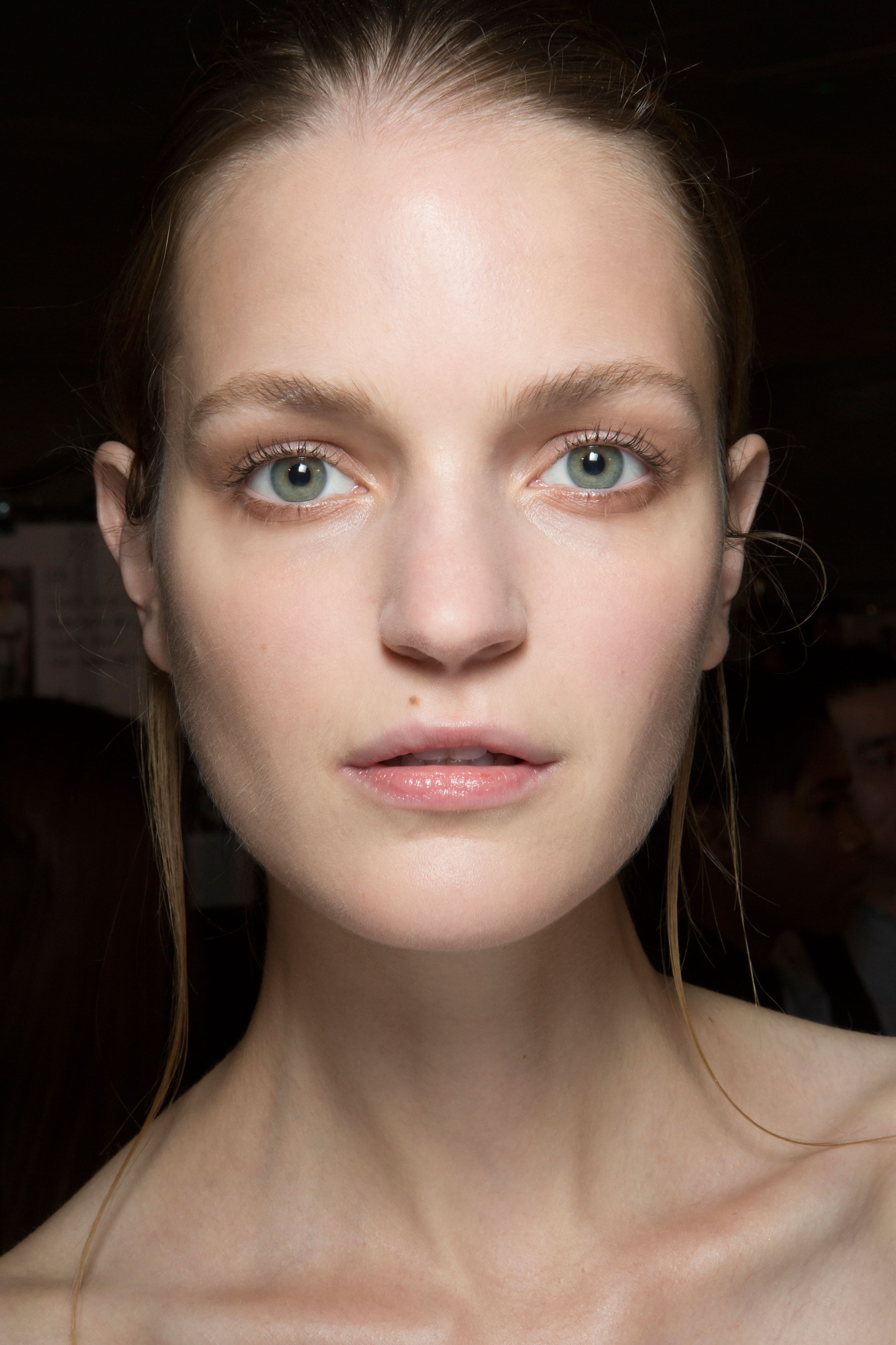 Amanda-wakeley-spring-2016-beauty-fashion-show-the-impression-45