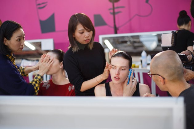Anrealage-spring-2016-beauty-fashion-show-the-impression-25