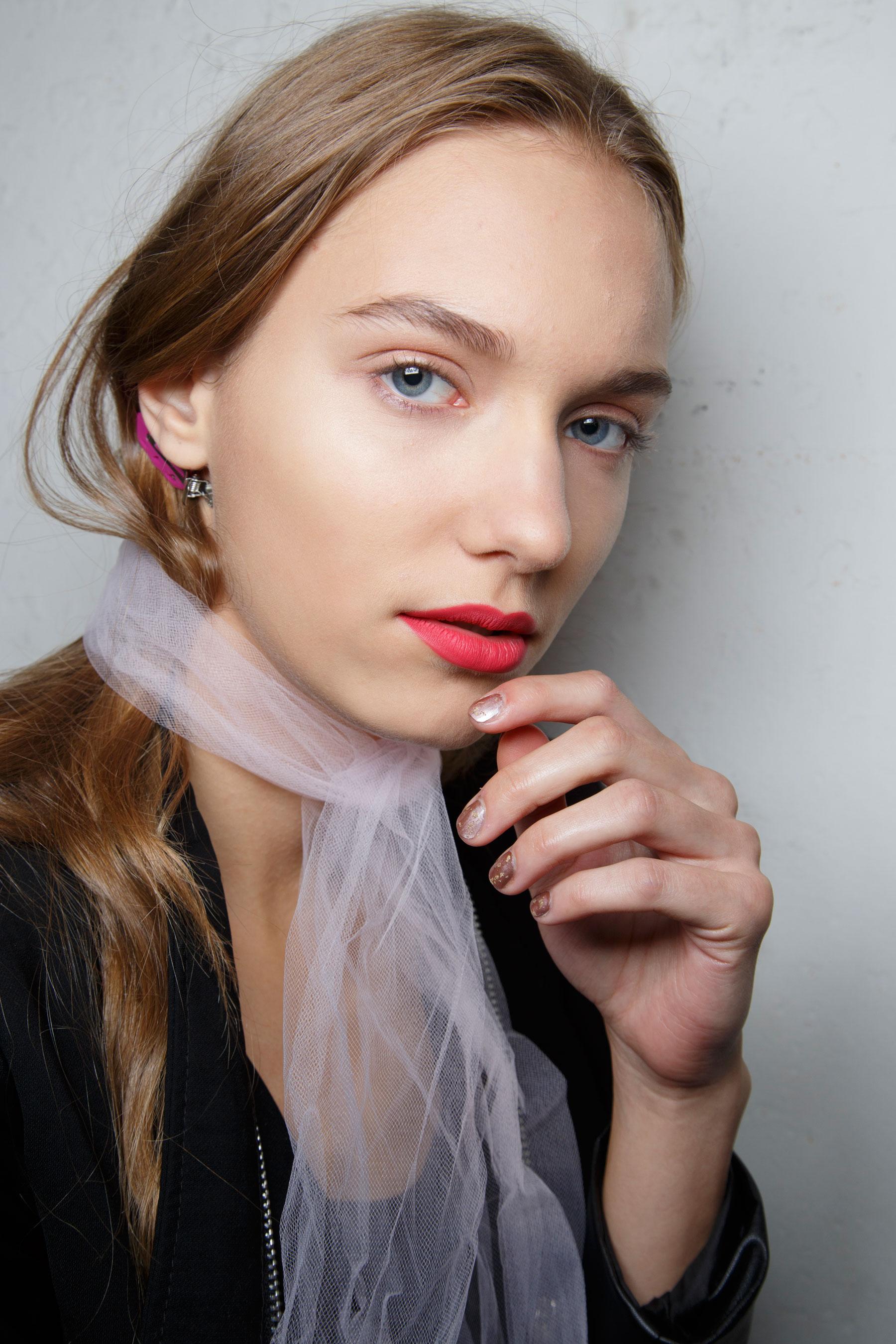 BADGLEY-MISCHKA-backstage-beauty-spring-2016-fashion-show-the-impression-37
