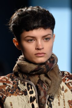 Bottega-Veneta-runway-beauty-spring-2016-close-up-fashion-show-the-impression-002