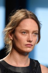 Bottega-Veneta-runway-beauty-spring-2016-close-up-fashion-show-the-impression-024