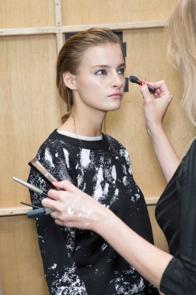 Christopher-Raeburn-spring-2016-beauty-fashion-show-the-impression-30
