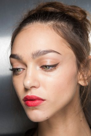 Dolce-and-Gabanna-backstage-beauty-spring-2016-fashion-show-the-impression-076