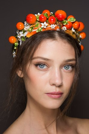 Dolce-and-Gabanna-backstage-beauty-spring-2016-fashion-show-the-impression-081