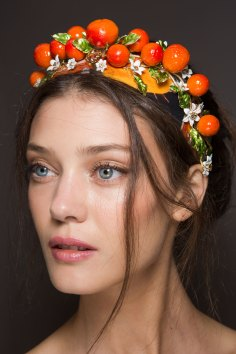 Dolce-and-Gabanna-backstage-beauty-spring-2016-fashion-show-the-impression-084