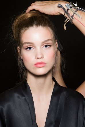 Dolce-and-Gabanna-backstage-beauty-spring-2016-fashion-show-the-impression-094