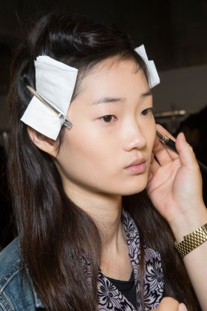 Dries-van-Noten-spring-2016-beauty-fashion-show-the-impression-02