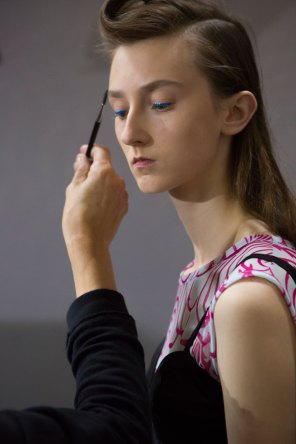 Dries-van-Noten-spring-2016-beauty-fashion-show-the-impression-21