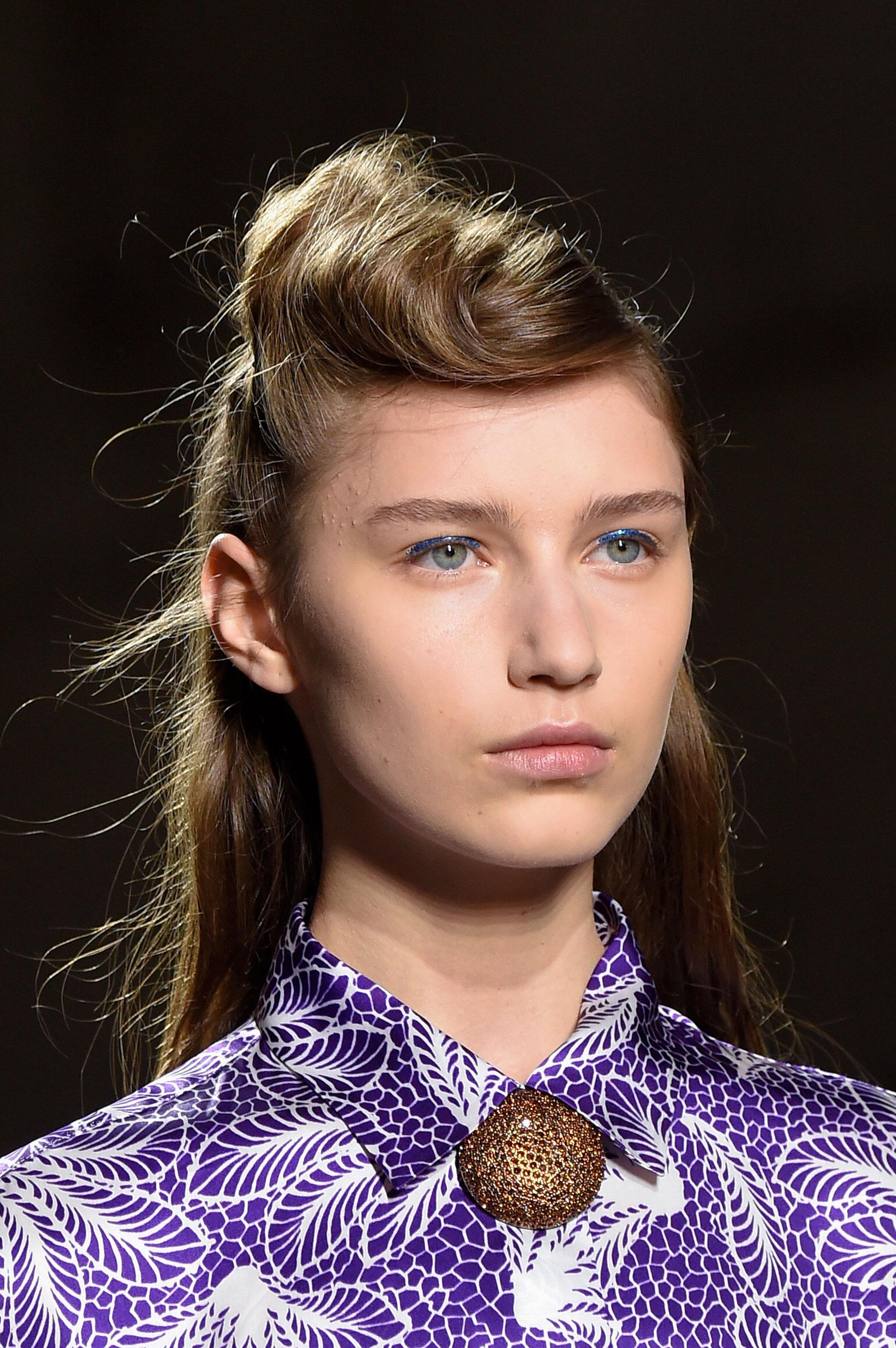 Dries-van-Noten-spring-2016-runway-beauty-fashion-show-the-impression-26