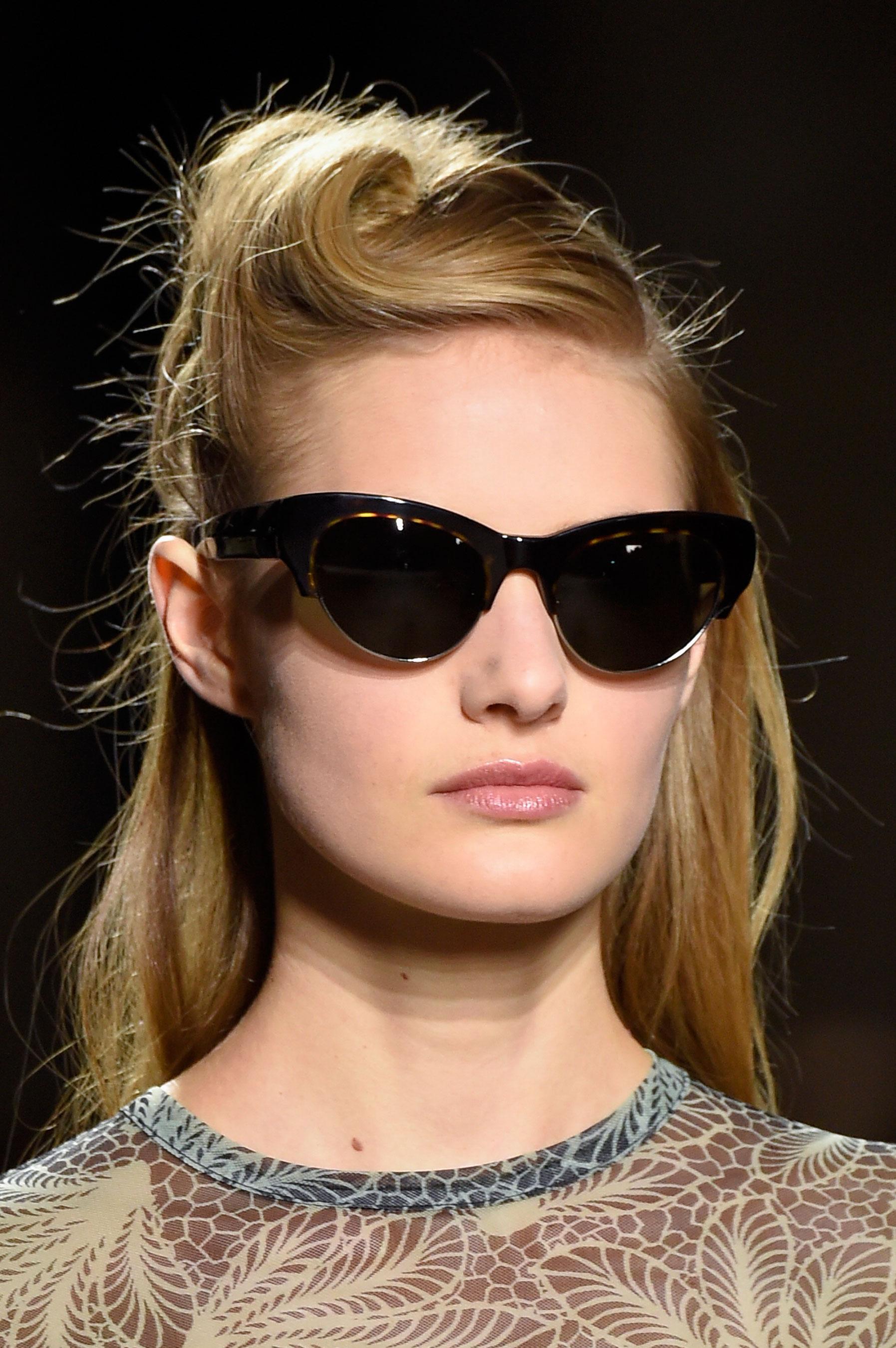 Dries-van-Noten-spring-2016-runway-beauty-fashion-show-the-impression-33