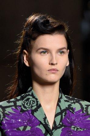 Dries-van-Noten-spring-2016-runway-beauty-fashion-show-the-impression-35