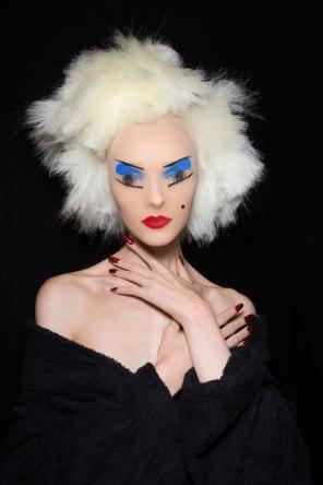 Gareth-Pugh-beauty-spring-2016-fashion-show-the-impression-133
