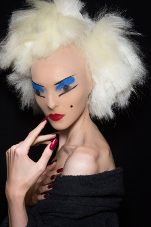 Gareth-Pugh-beauty-spring-2016-fashion-show-the-impression-136