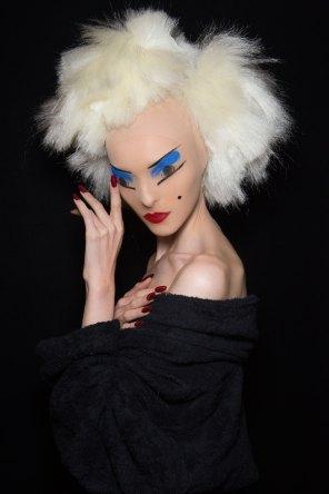 Gareth-Pugh-beauty-spring-2016-fashion-show-the-impression-138
