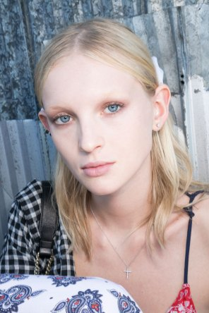 Givenchy-beauty-spring-2016-fashion-show-the-impression-34