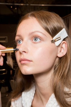 Gucci0-backsatge-beauty-spring-2016-fashion-show-the-impression-008