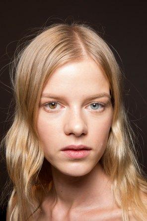 Gucci0-backsatge-beauty-spring-2016-fashion-show-the-impression-024