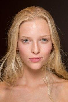 Gucci0-backsatge-beauty-spring-2016-fashion-show-the-impression-085