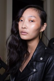 Guy-Laroche-spring-2016-beauty-fashion-show-the-impression-42