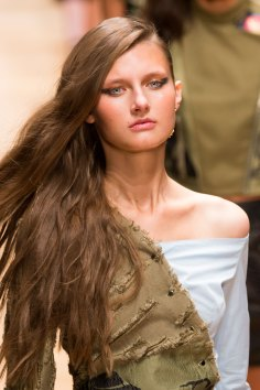 Guy-Laroche-spring-2016-runway-beauty-fashion-show-the-impression-47