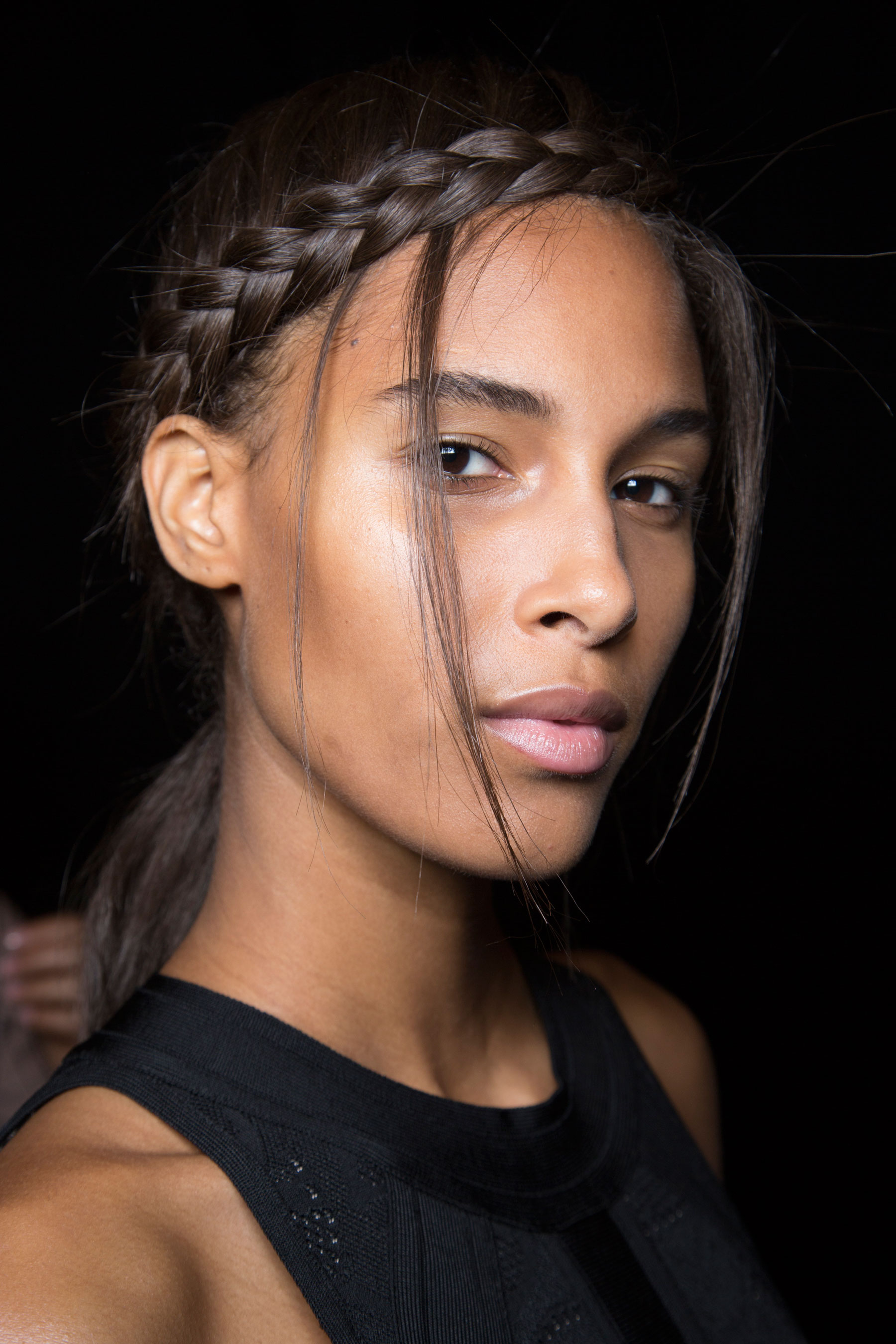 Herve-Leger-backstage-beauty-spring-2016-fashion-show-the-impression-82