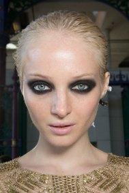 JULIEN-MACDONALD-beauty-spring-2016-fashion-show-the-impression-002